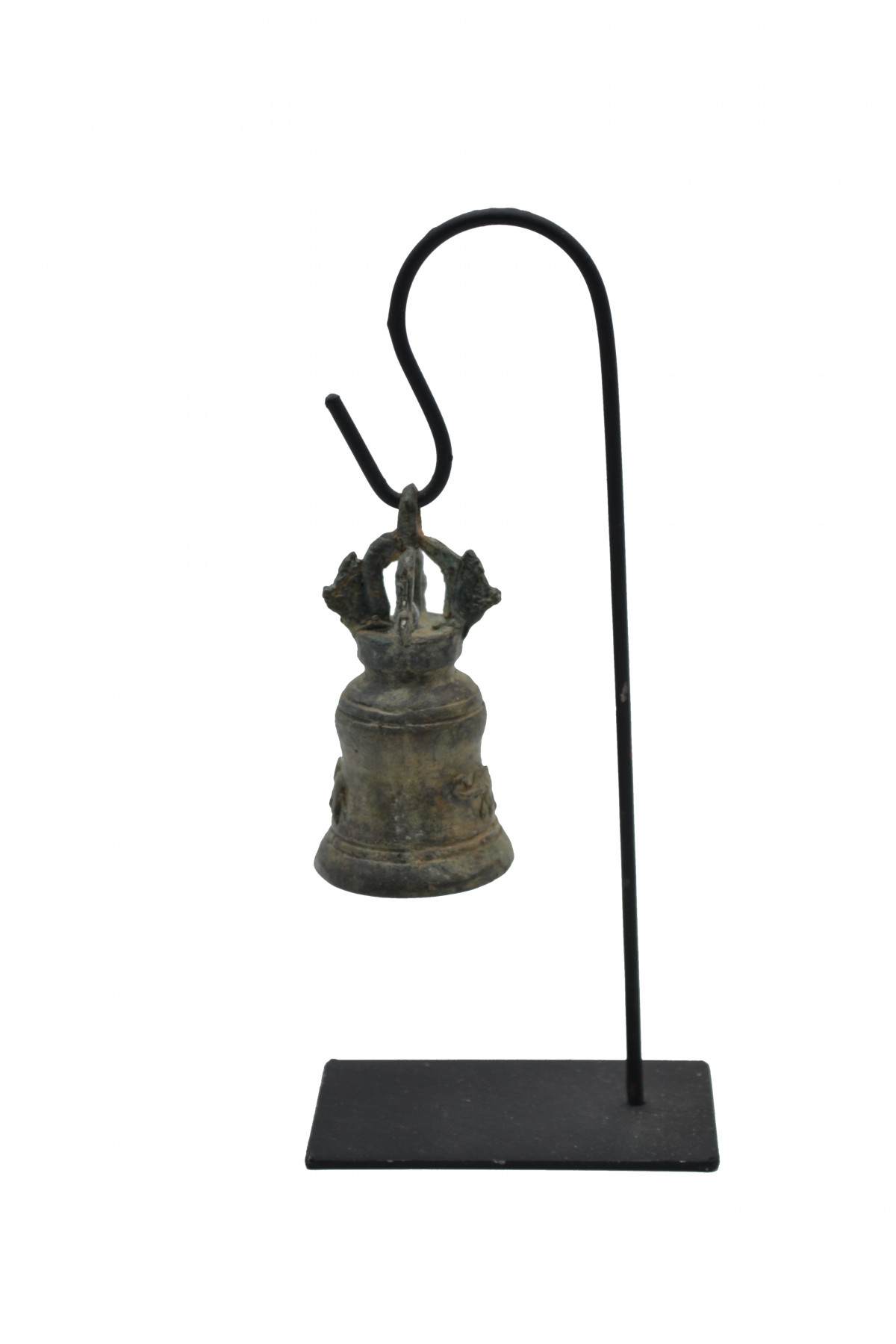 Cloche en bronze sur socle 1