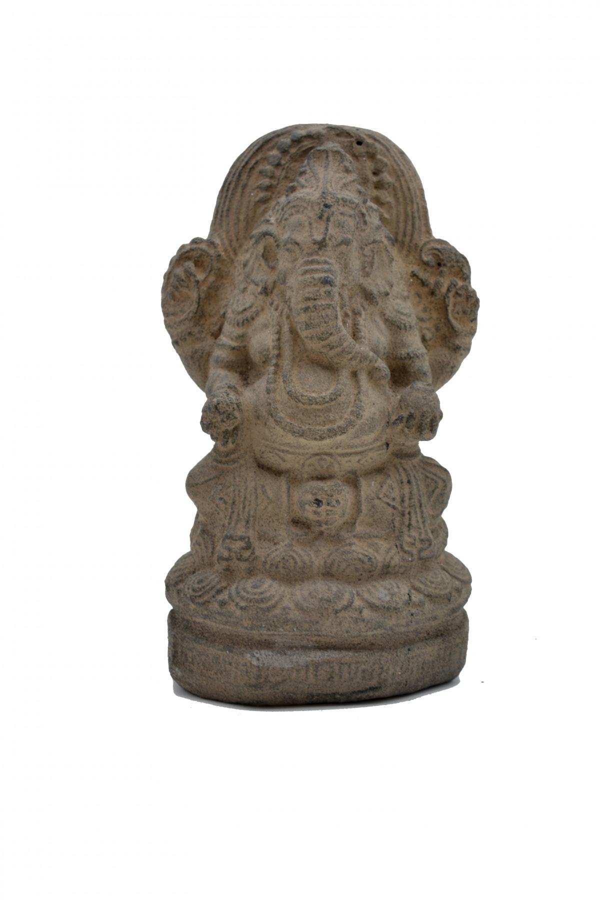 Ganesh assis en pierre de lave 1