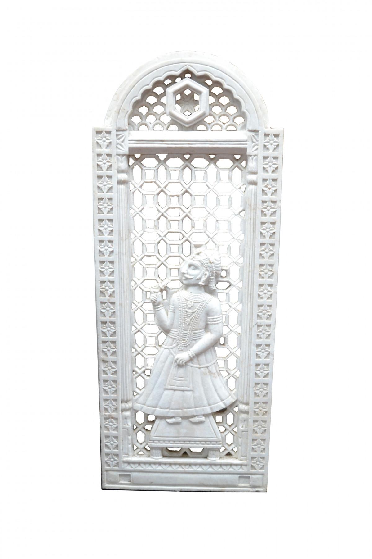 Panneau en marbre blanc sculpté. 1