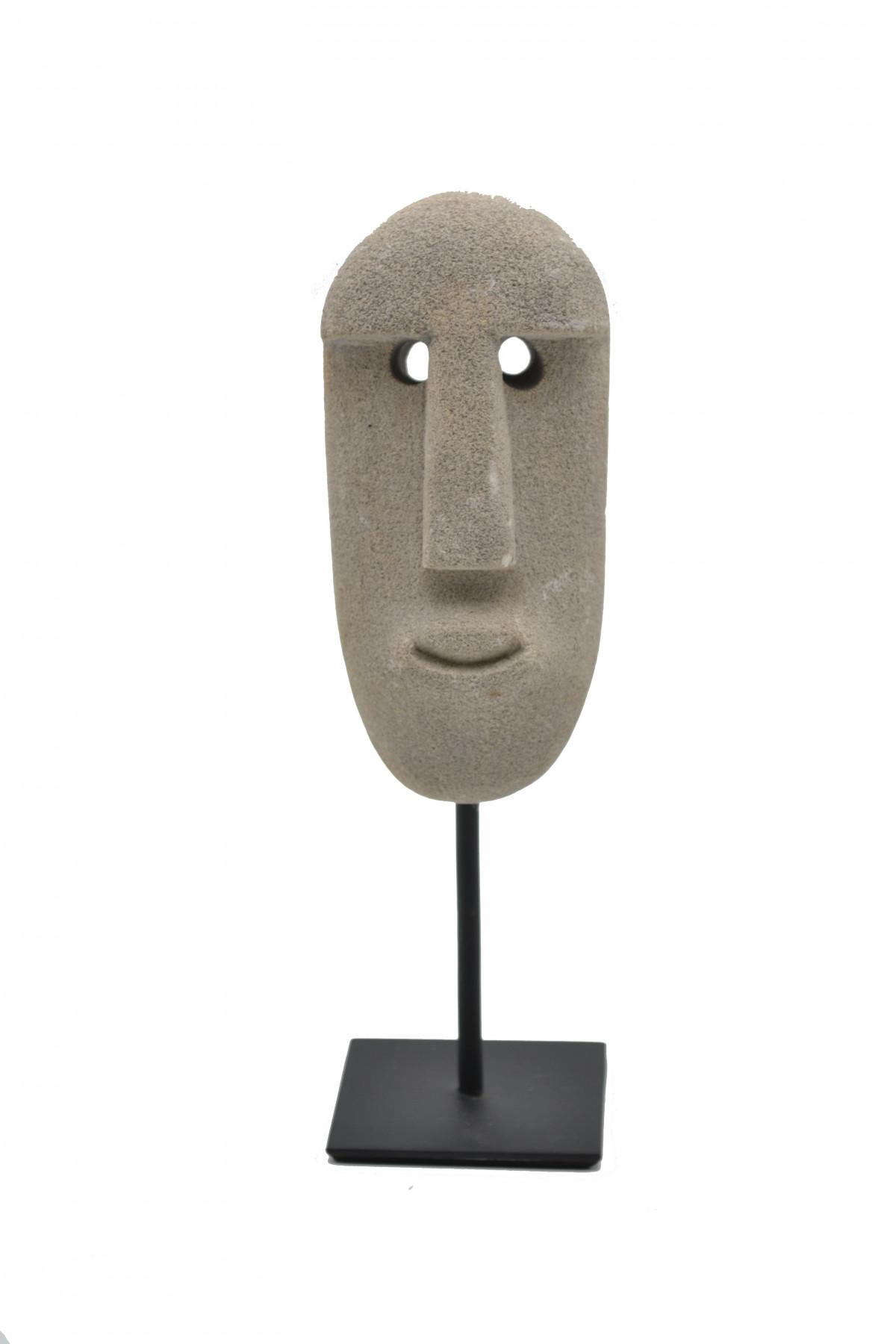 Masque en pierre sur socle 1