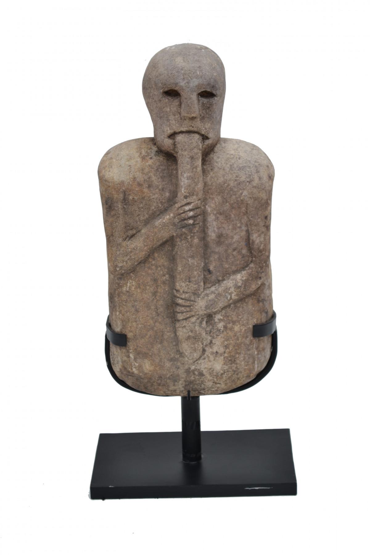 Statue en pierre du Timor 1