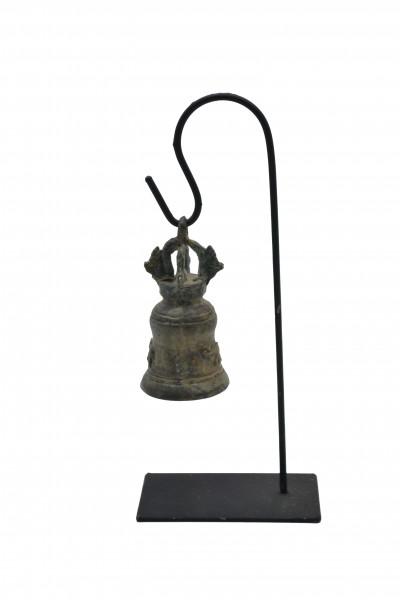 Cloche en bronze sur socle