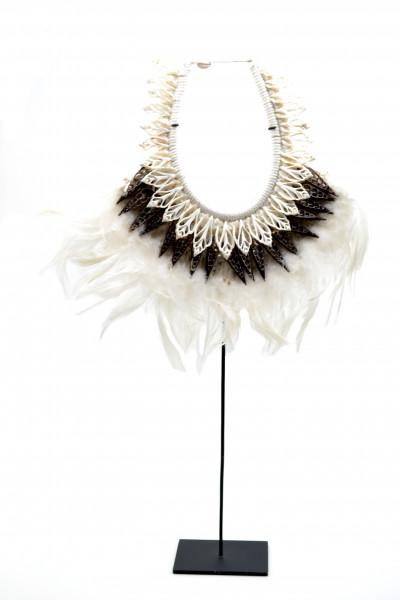 Collier de cérémonie Papou en plumes et coquillages