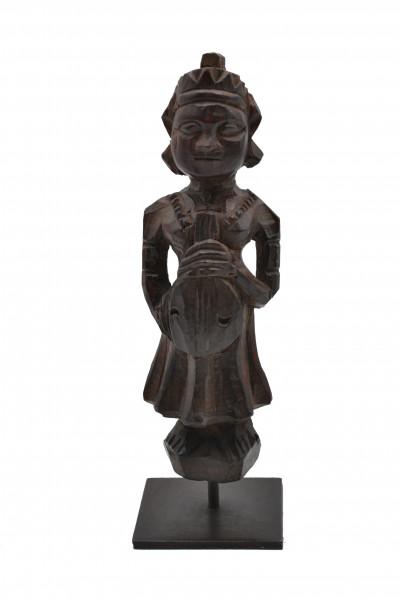 Statue bois sur socle