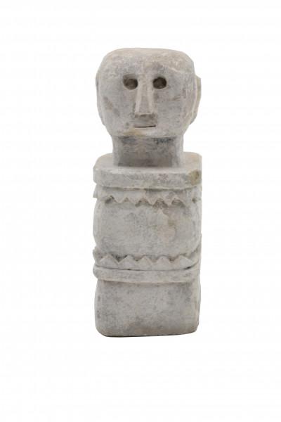 Statue primitive en pierre Timor